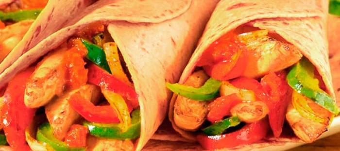 Chicken fajitas with guacamole